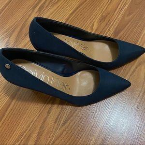 Calvin Klein Shoes - Calvin Klein Nilly pump Size:8